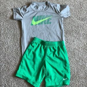 Boys size 7 Nike outfit